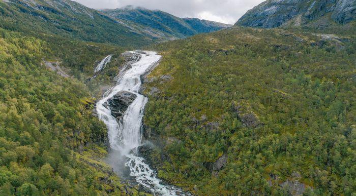 Segunda cascada de la ruta de Husedalen