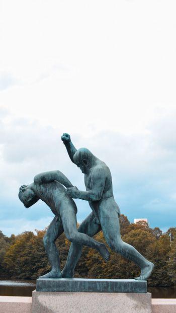 Escultura del Parque de Vigeland que puedes visitar en Oslo