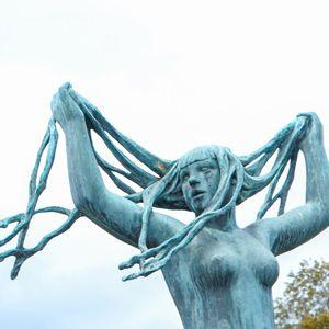 estatua mujer parque vigeland oslo