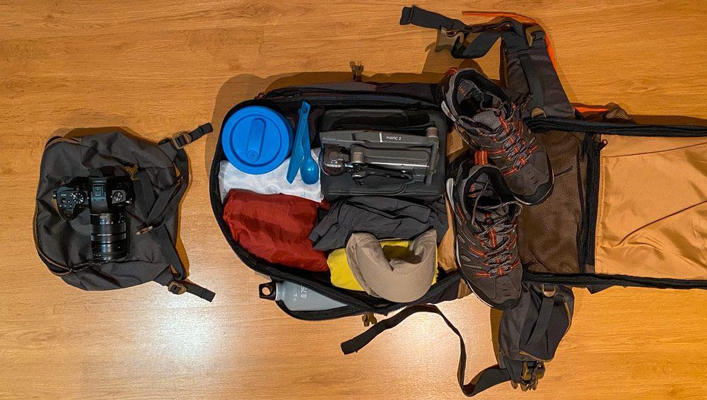 mochila preparada para el viaje a Noruega