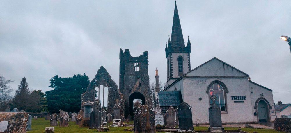 Cementerio y antigua iglesia de Duleek