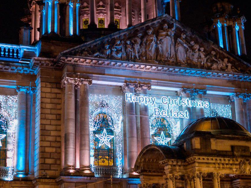 El City Hall de Belfast decorado de navidad