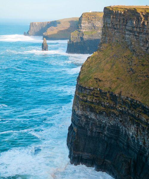 Los acantilados de moher en su verticalidad total
