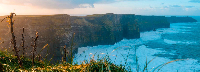 Cliffs of Moher durante la salida del sol