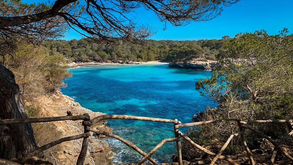 Para visitar Cala Turqueta te damos algunos consejos antes de viajar a Menorca