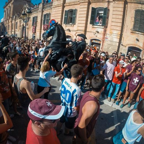 jaleo de Ciutadella con sus caballos