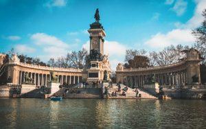 Barca en el Parque del Retiro de Madrid