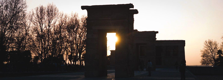 La increíble puesta de sol en el Templo de Debod en tu viaje a Madrid