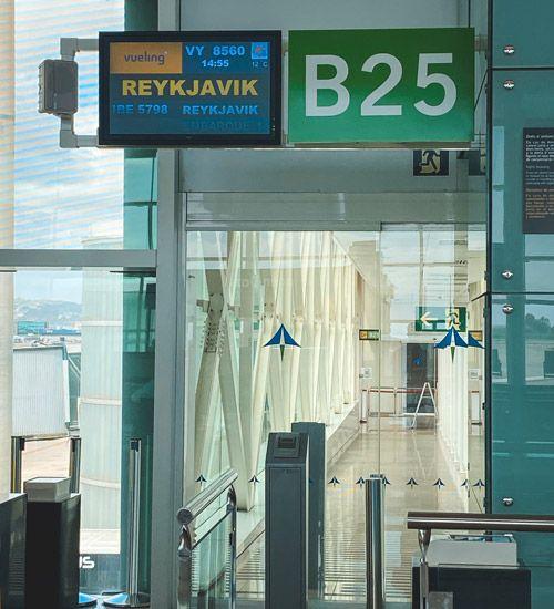 como ir desde el aeropuerto de islandia a reikiavik