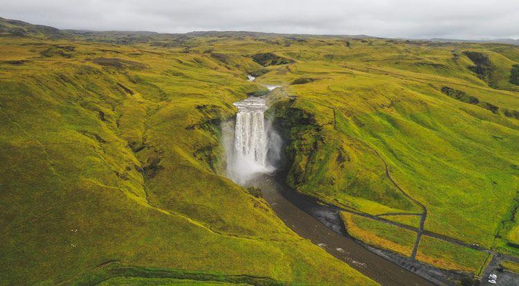 La cantidad de turistas en islandia en verano