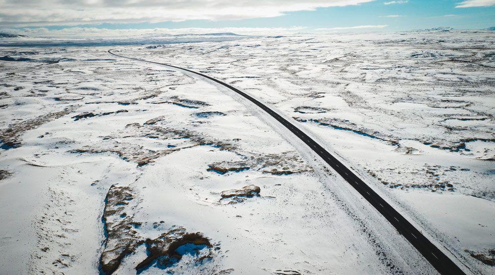 Conducir por Islandia en invierno es una pasada