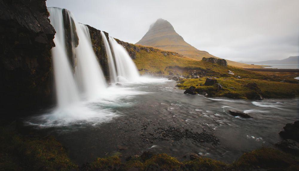 Ahora que ya sabes cuánto cuesta viajar a Islandia... seguro que te perderás estos paisajes?