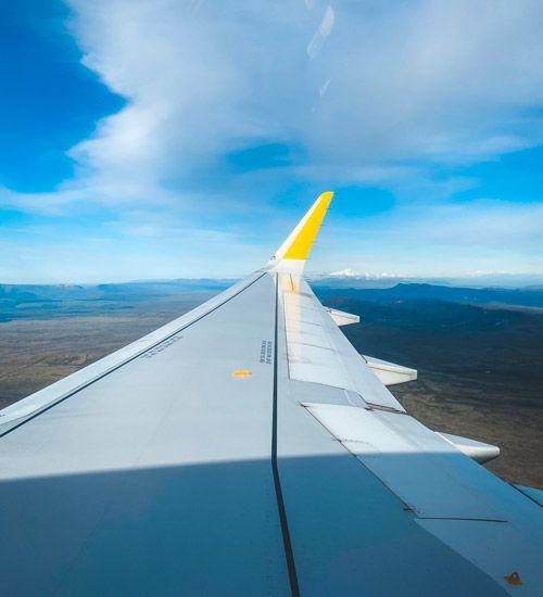 como llegar a islandia en avion