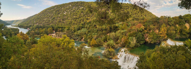 Cascadas del parque nacional krka de croacia